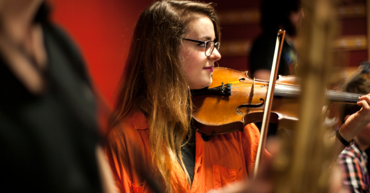 personal_statement_music_girl_on_violin_music_student