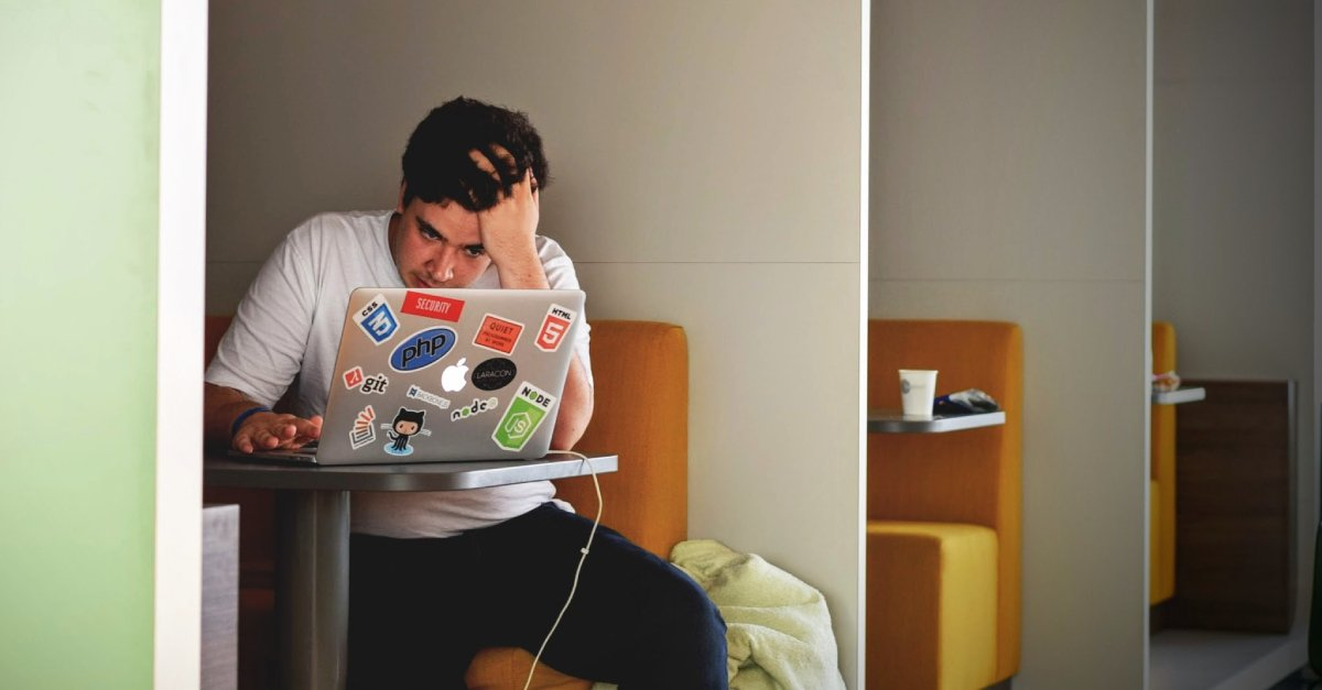 What_is_online_learning_like_dental_student_boy_studying